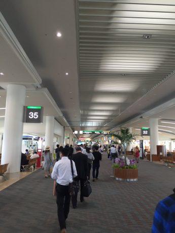 那覇空港へ到着